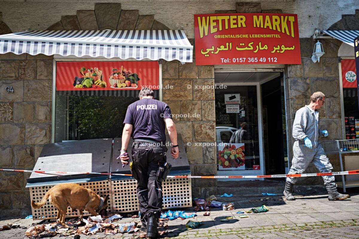 Arson attack on Syrian supermarket