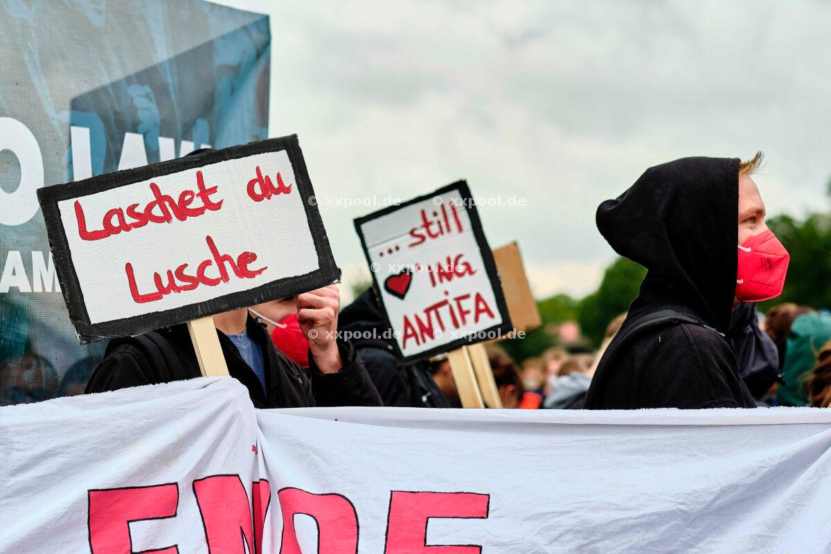 Düsseldorf - demo against assembly law