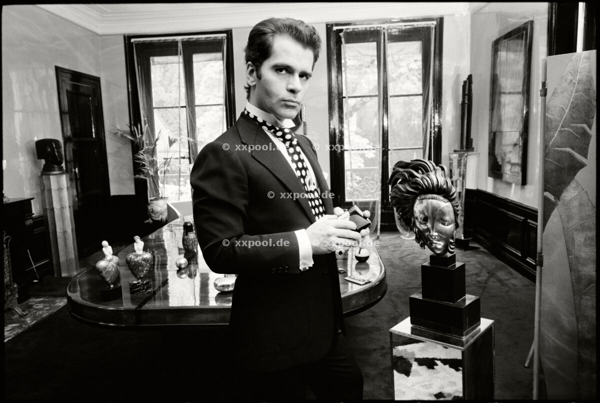 FRANCE. Paris. 1972. Karl Lagerfeld at his apartment with his world famous collection of Art Deco Furniture. P-GE-LAG-159. © Max Scheler / Max Scheler Estate / Agentur Focus