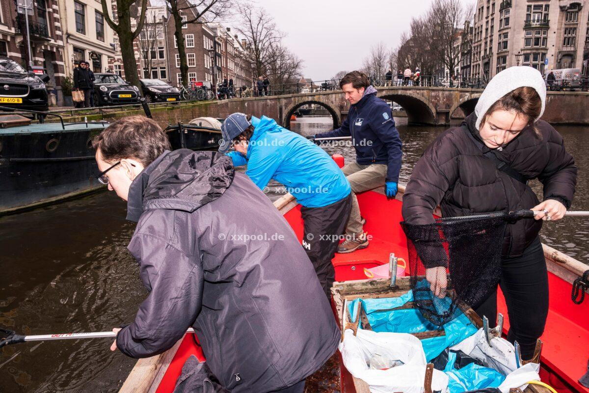 PlasticWhale Amsterdam