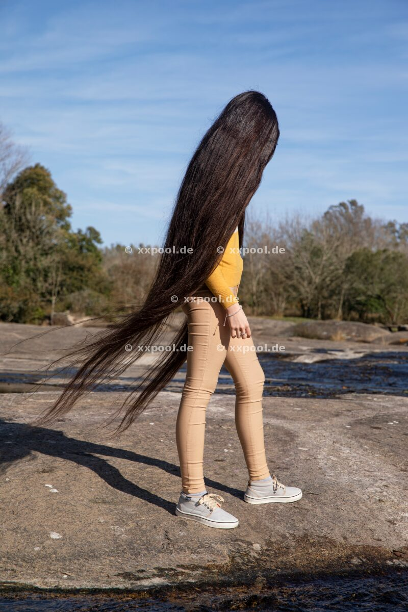 Hair, Abril is from Cordoba Province. She received the guiness prize for longest hair in teenager category.  (c) Irina Werning / Agentur Focus